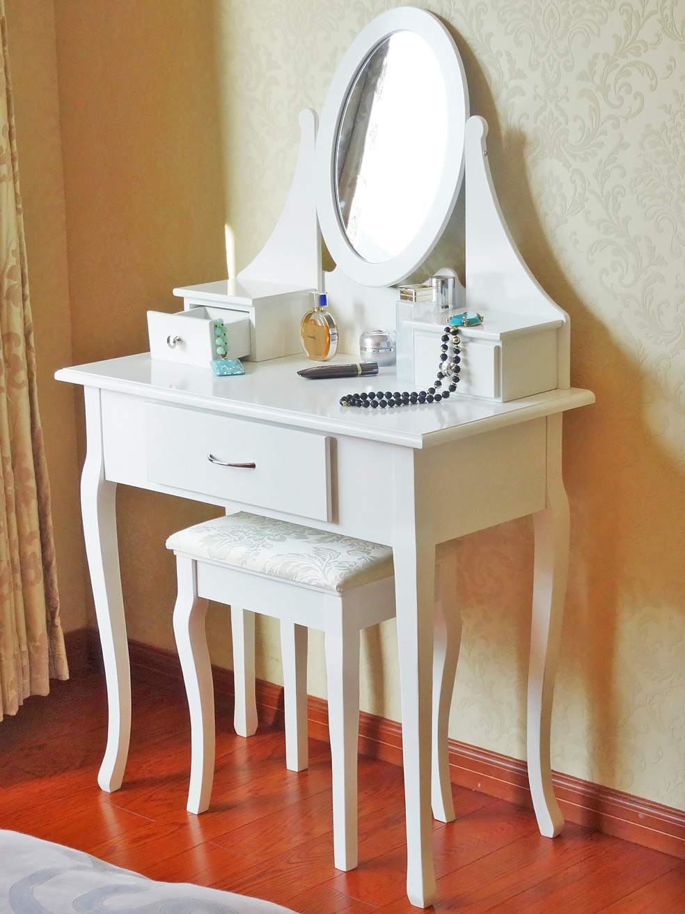 White Dressing Table Makeup Desk With Stool, 3 Drawers